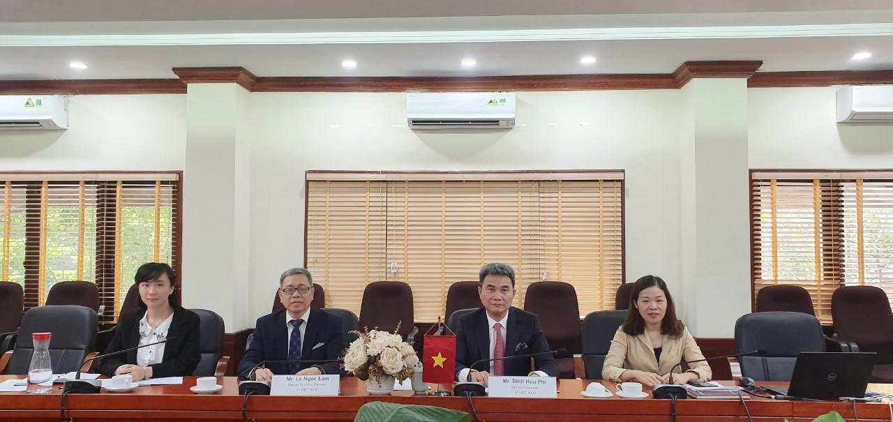 Cục trưởng Đinh Hữu Phí và các cán bộ Cục Sở hữu trí tuệ tham dự Cuộc họp trực tuyến với Cơ quan Sáng chế và Nhãn hiệu Đan Mạch